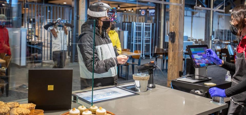 skiier buying food
