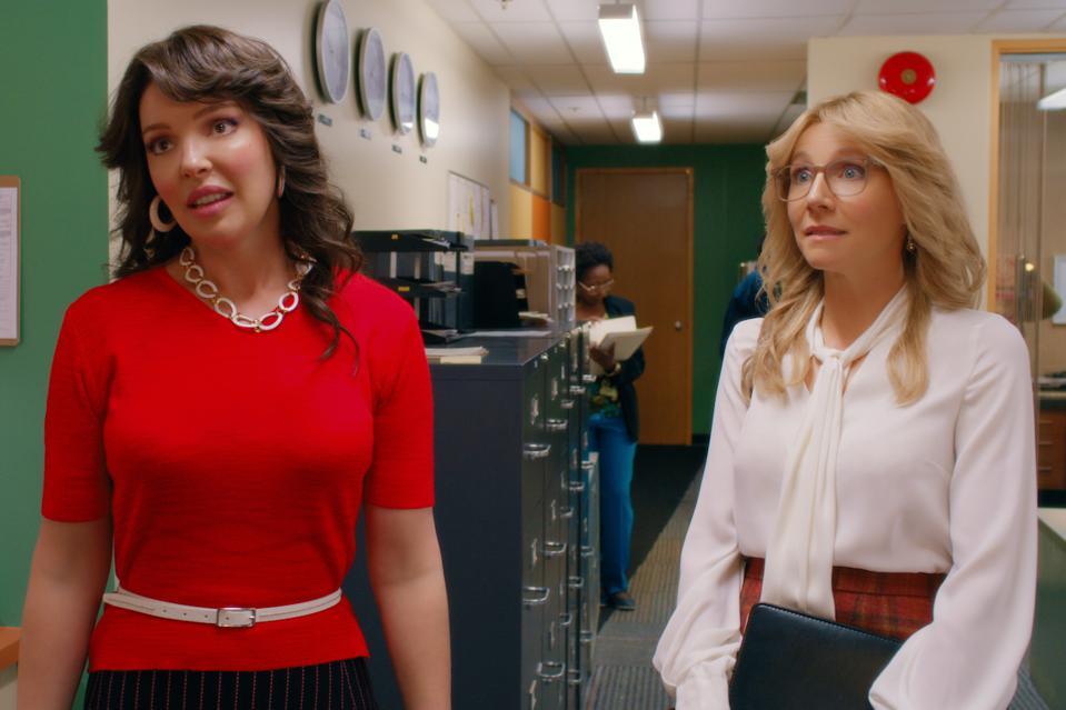 Katherine Heigl and Sarah Chalke are two best friends navigating life in 'Firefly Lane' on Netflix.