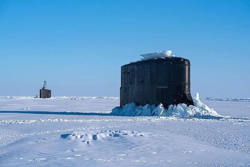 Submarines in the Artic ice
