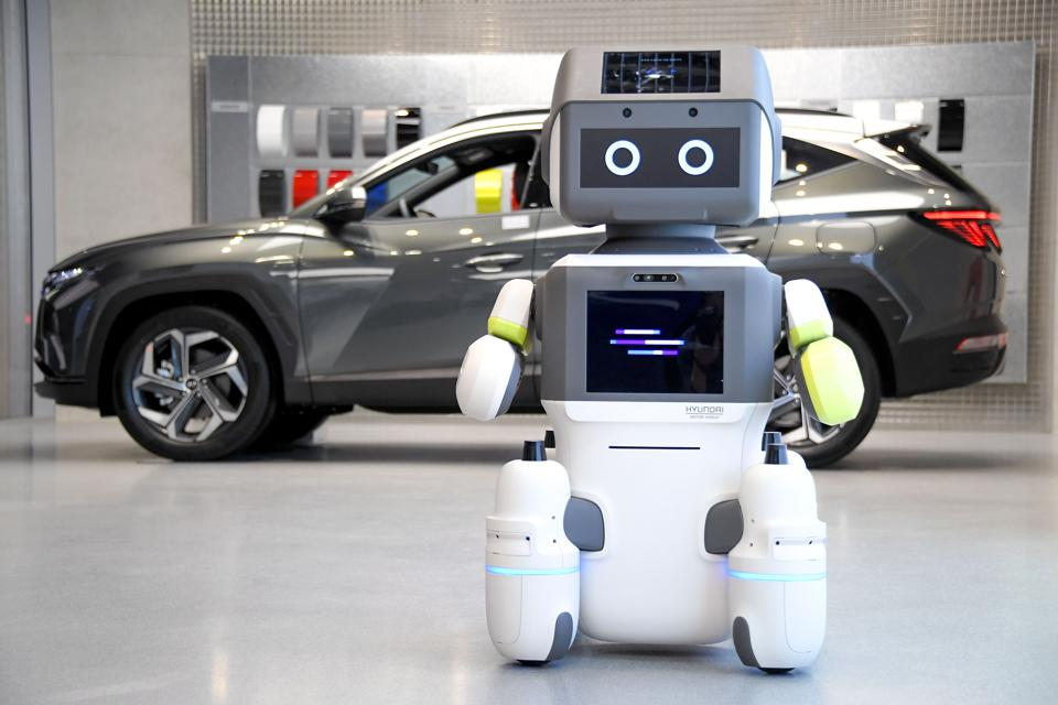 Hyundai Motor Group Introduces Advanced Humanoid Robot 'DAL-e' for Automated Customer Services.