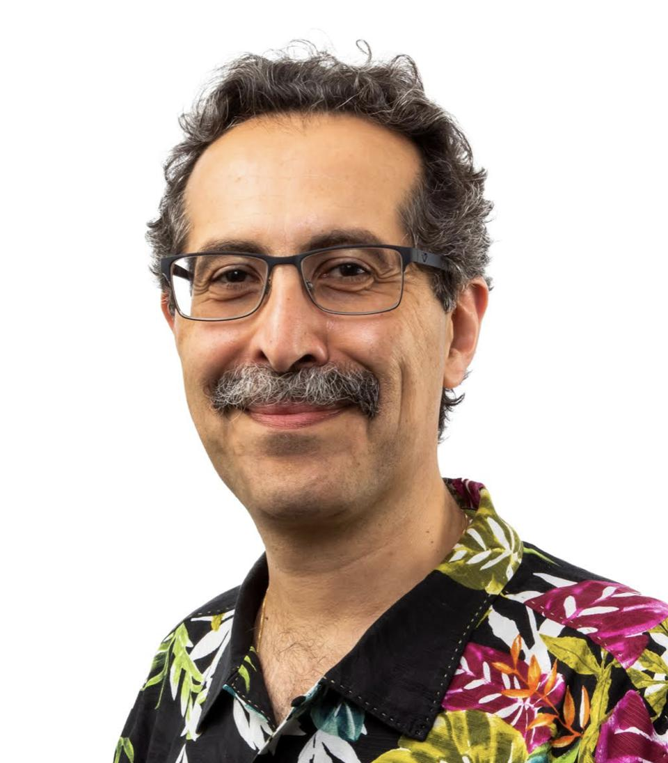 AAmine Khechfe, co-founder, Endicia, chief strategy officer, Stamps.com (Headshot with tropical shirt)