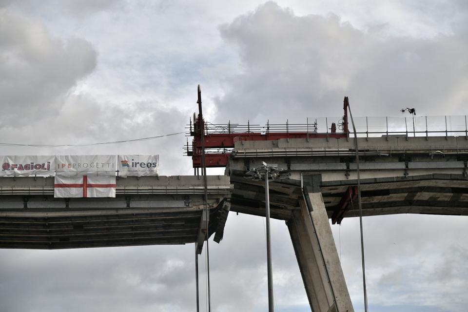ITALY-BRIDGE-TRANSPORT