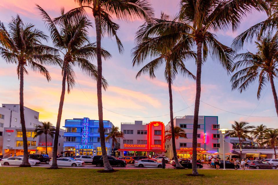 Ocean Drive at sunset, South Beach, Miami, USA