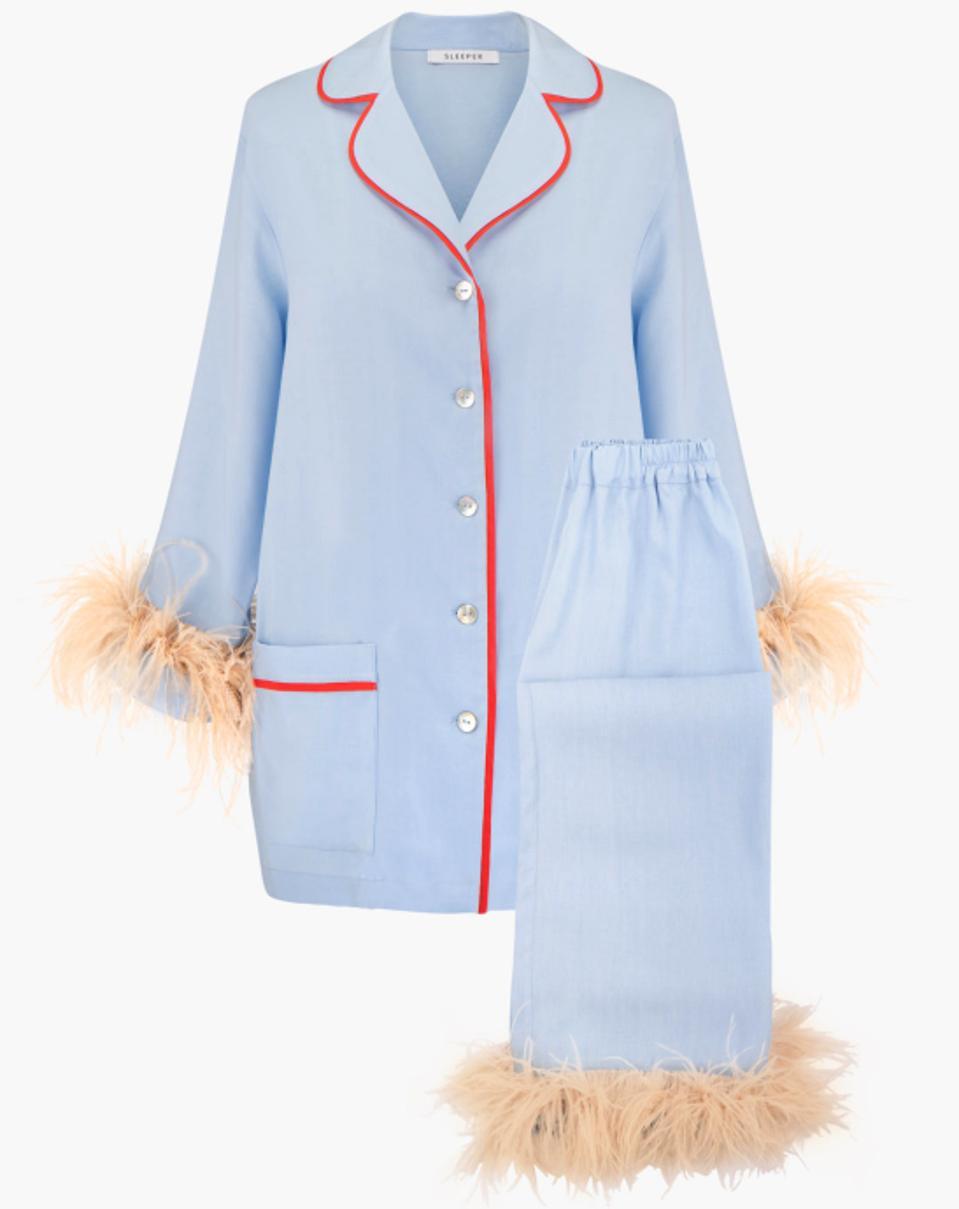 Shopping, luxury, fashion, designer, sleeper, daily sleeper, feathers, pajamas