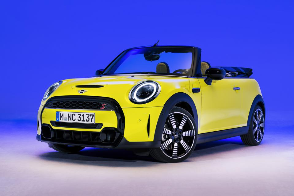 For 2022, Mini hardtops and convertibles are getting a refreshed look and interior and new colors