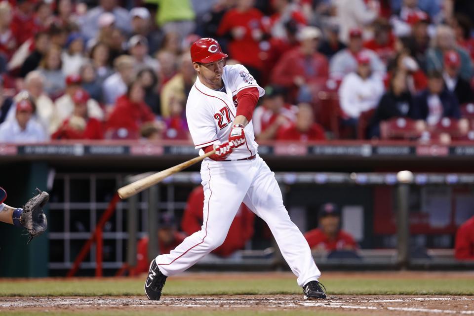Scott Rolen swinging a bat