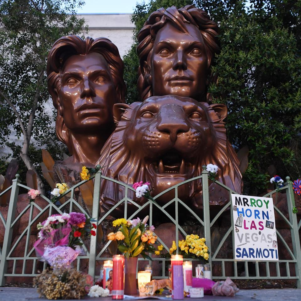 Las Vegas Remembers Entertainer Roy Horn