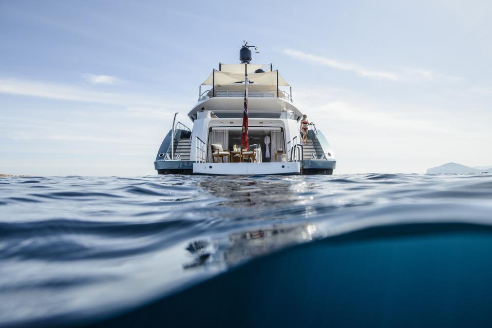 Irisha yacht by Heesen