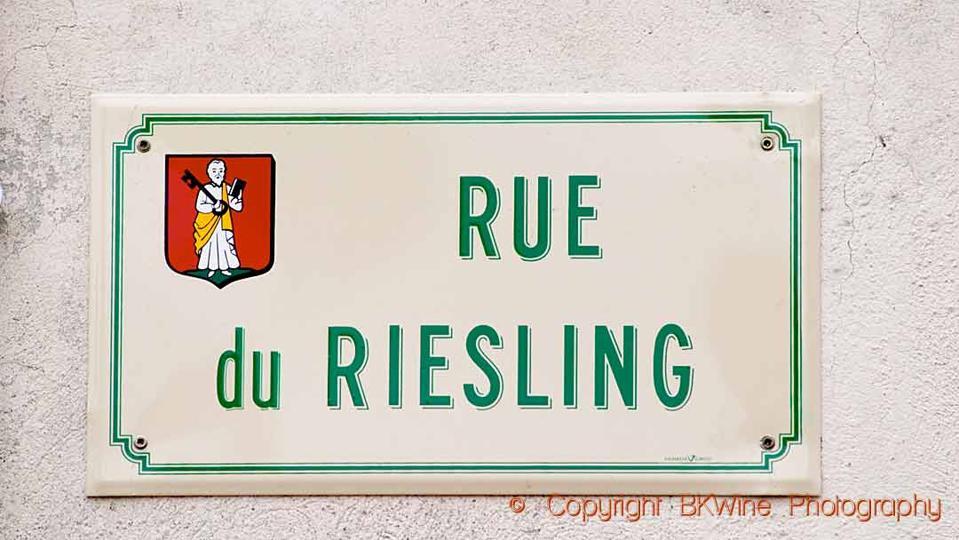 Street sign, rue du Riesling