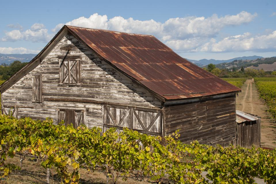 Old Barn on Westside Road in Russian River Valley in Sonoma County, California