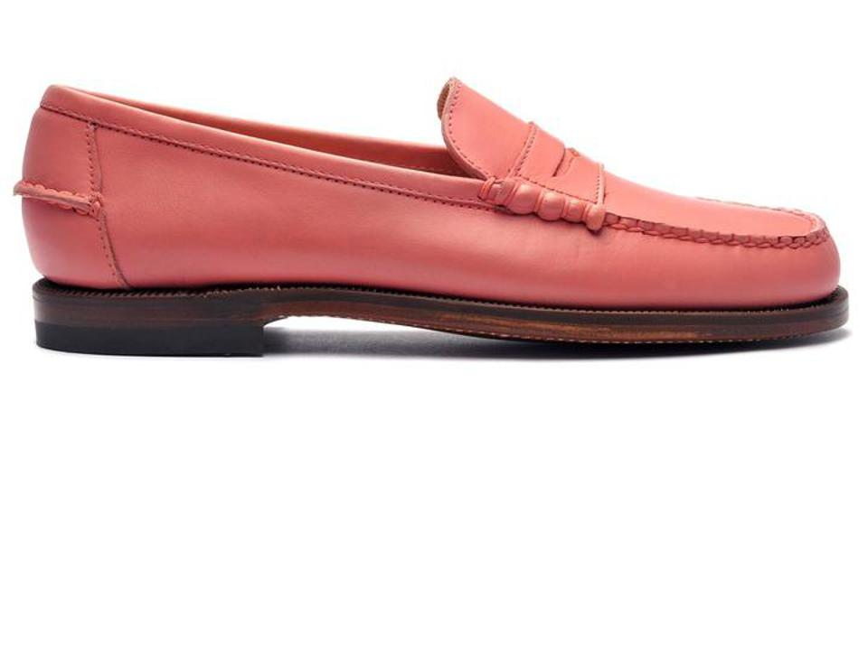 A thoughtful, practical, and festive Valentine's Day gift, the Sebago Classic Dan Waxy loafers in Chiffon are the gift to get.