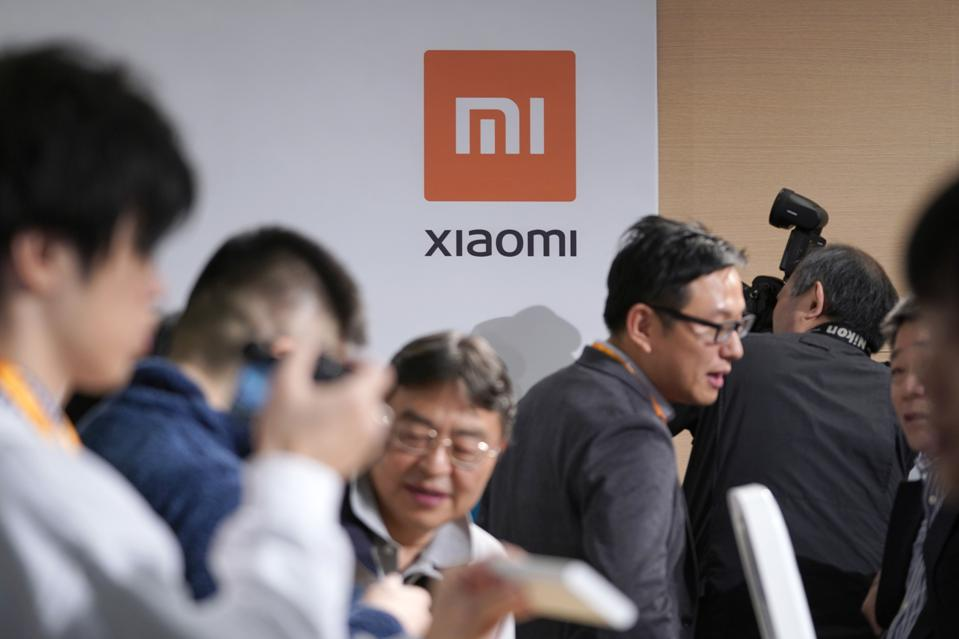 Xiaomi Takes on IPhone in Japan With Big Battery and Megapixels