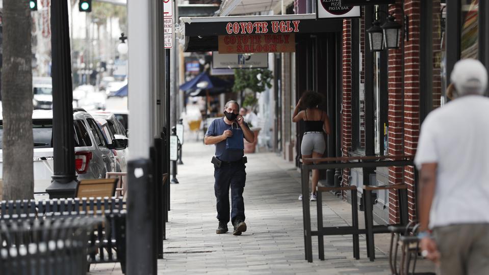 Tampa street man wearing face mask