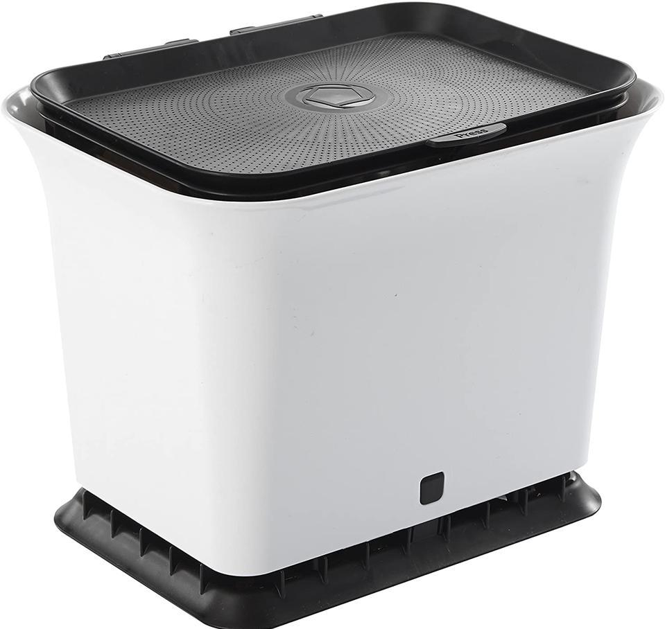 The 7 Best Countertop Compost Bins