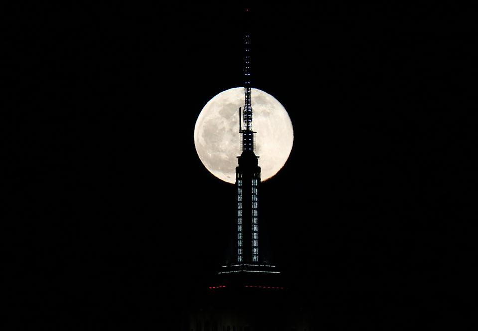 The Full Wolf Moon Rises in New York City