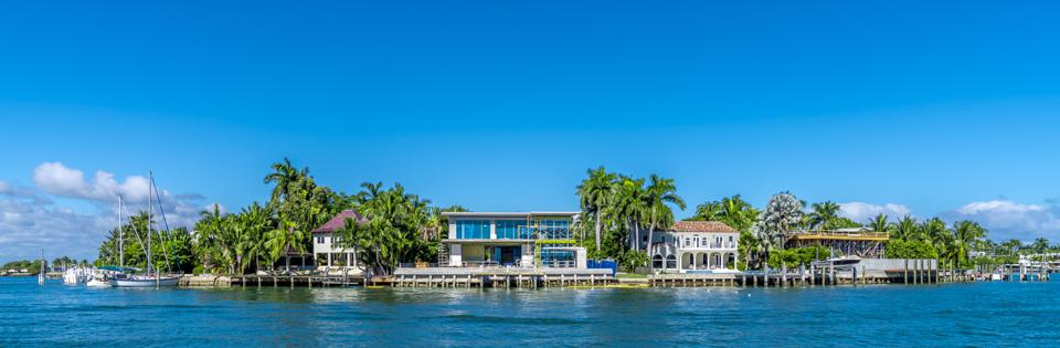 Luxury water front mansions in Miami, Florida