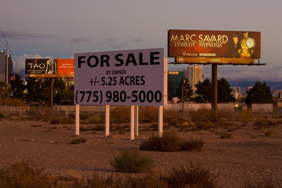 Las Vegas Glitz & Kitsch on Display. Las Vegas infill.