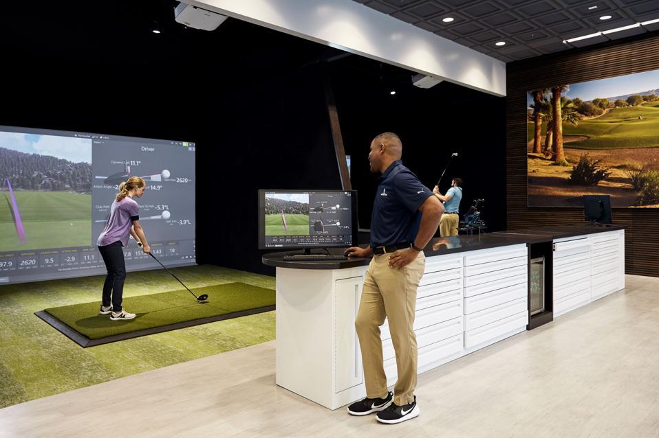 PGA Tour Superstore simulator