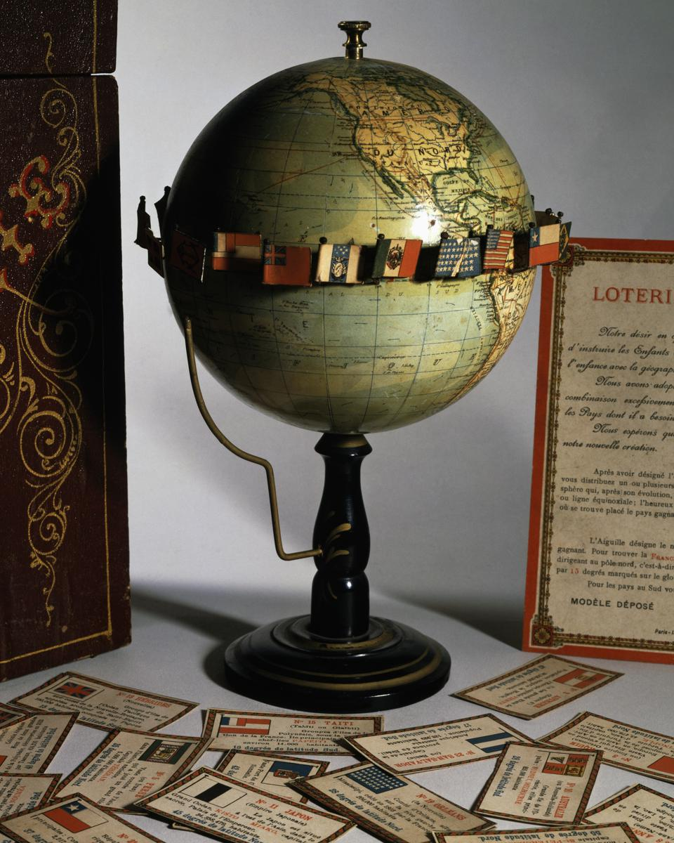 Loterie Geographique terrestrial globe...