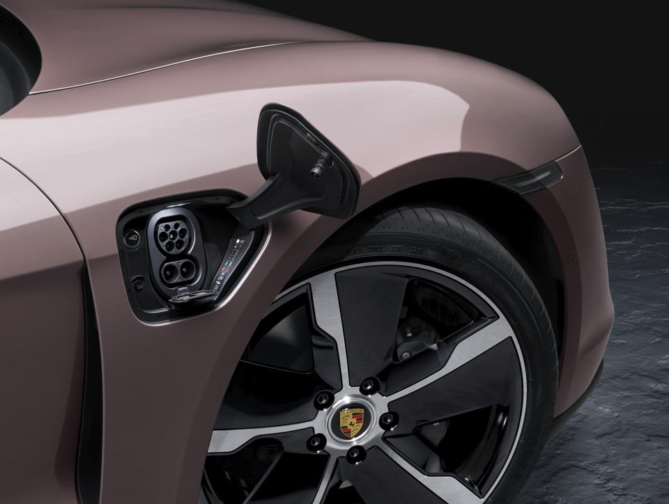 This optional wheel should be a no-cost choice. It looks fantastic.