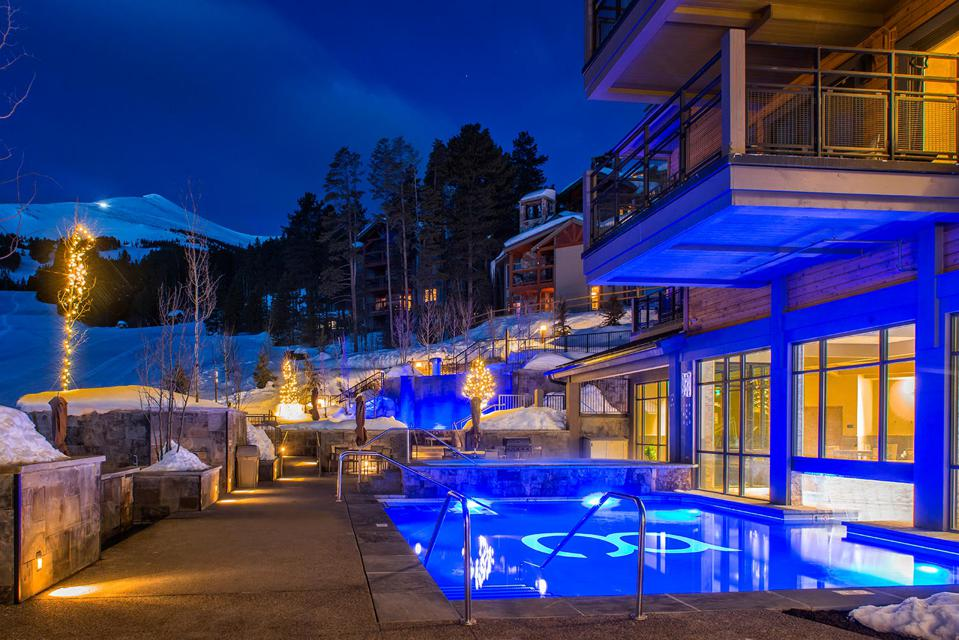 Pool and hot tubs at Grand Colorado on Peak 8