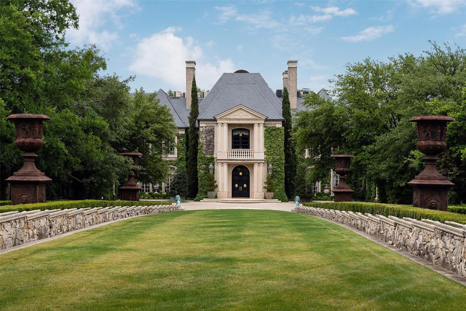 Exquisite entrance to the Schlegel Estate in Dallas