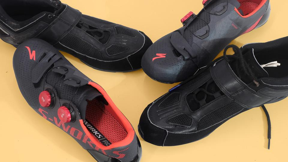 A photo of the Specialized S-Works 7 and Triban RoadC 100 shoes.