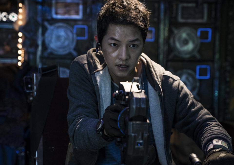 Song Joong-ki plays a space scavenger in 'Space Sweepers.'