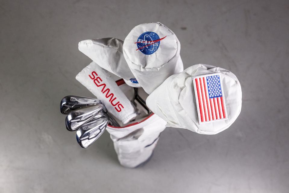 Sheamus Golf en el tocado de la luna