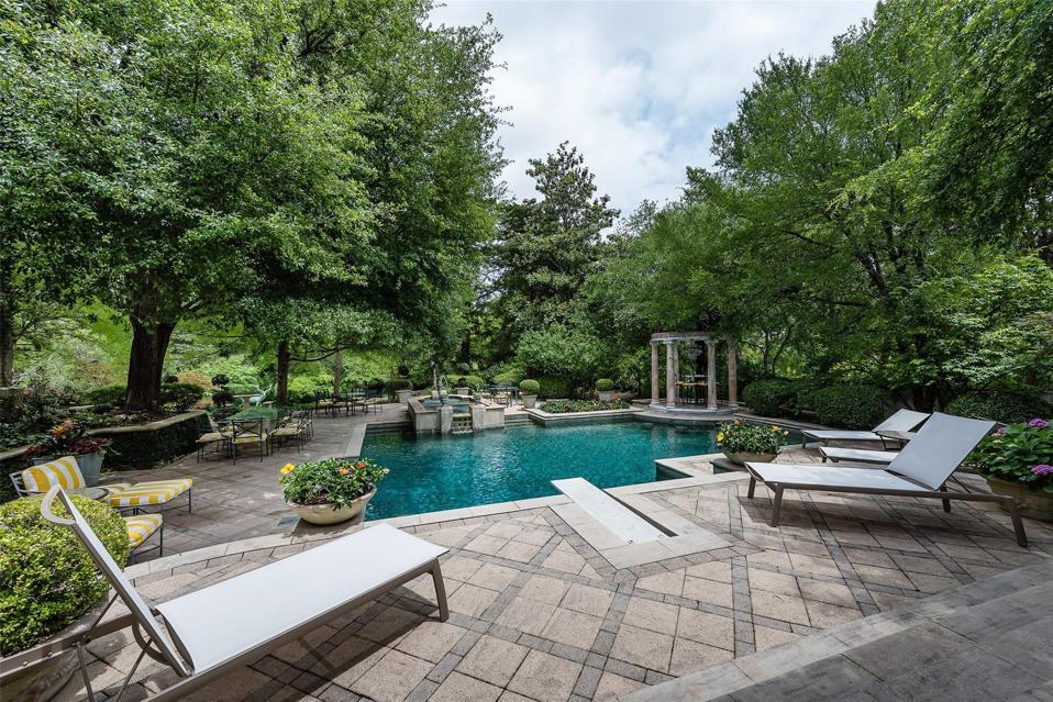 main swimming pool 4444 Valley Ridge