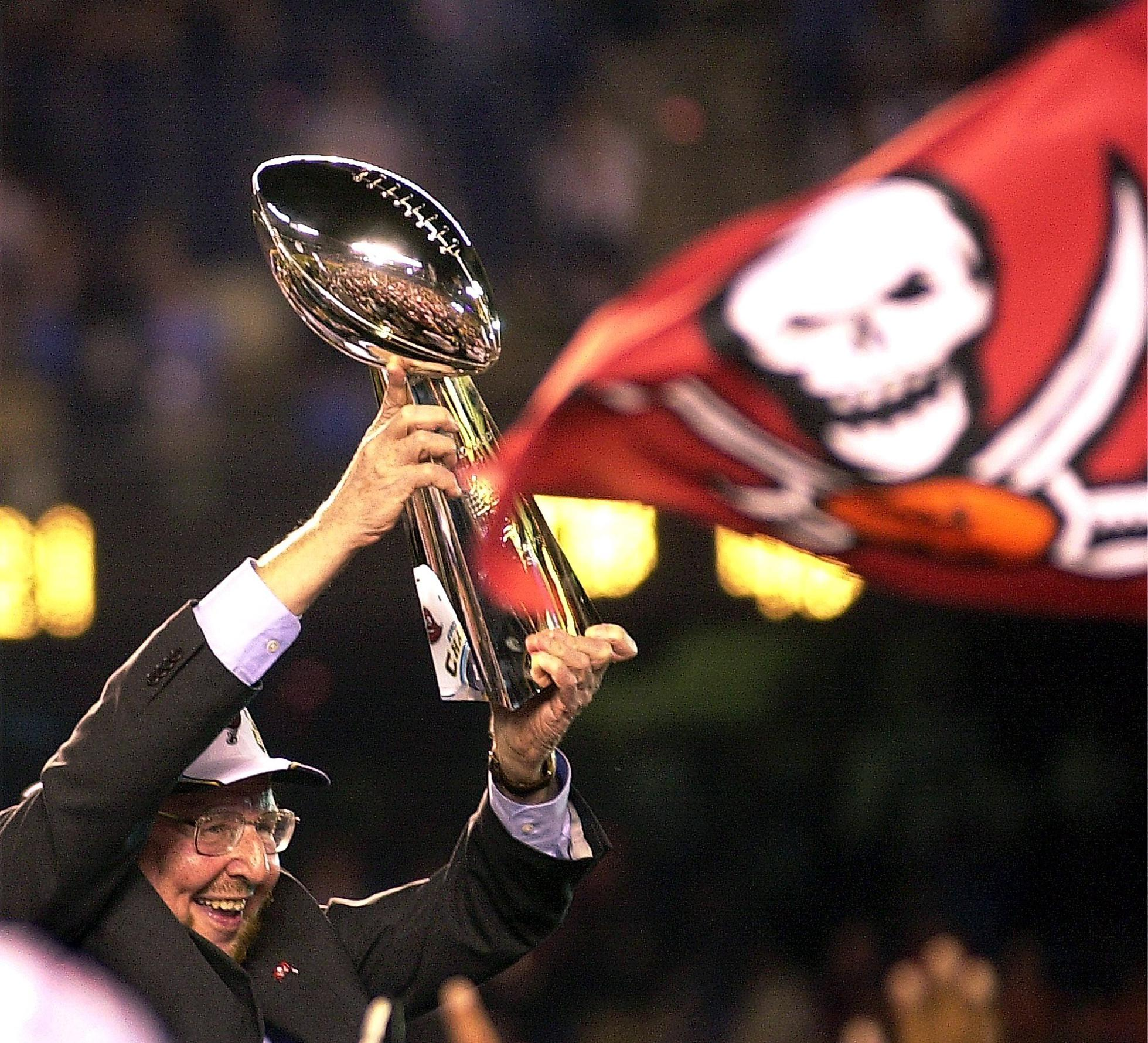 Malcolm Glazer celebrates Tampa Bay's Super Bowl XXXVII victory in 2003.
