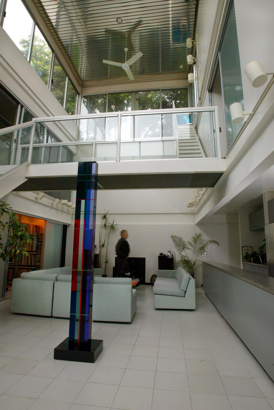 Architect Pierre Koenig designed two of the iconic Modernist houses in Los Angeles in the 1950's kno