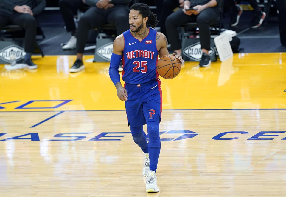 Knicks Officially Acquire Derrick Rose In Deal With Pistons