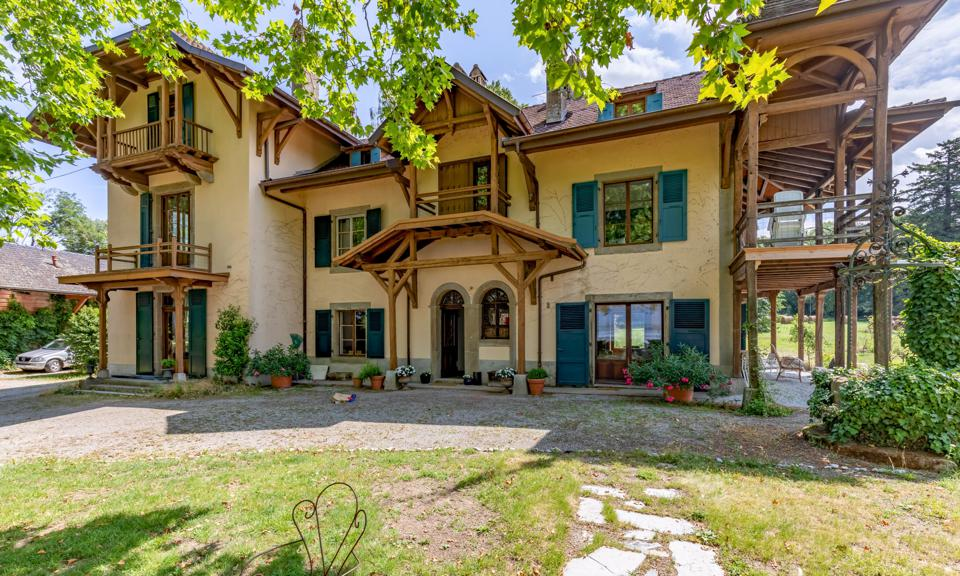 luxury home at 53 chemin de Vétrau Messery Haute-Savoie France