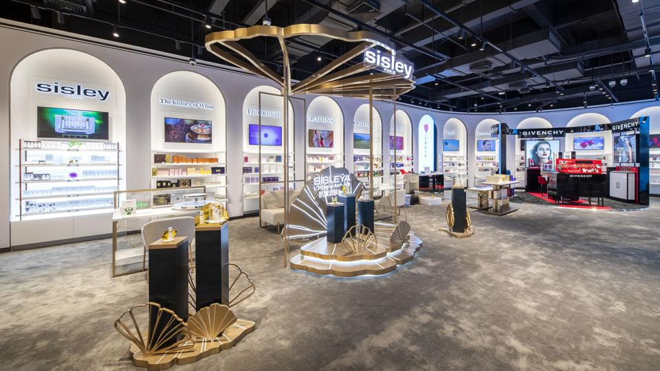 Beauty space in DFS' new story in Mission Hills, Hainan.