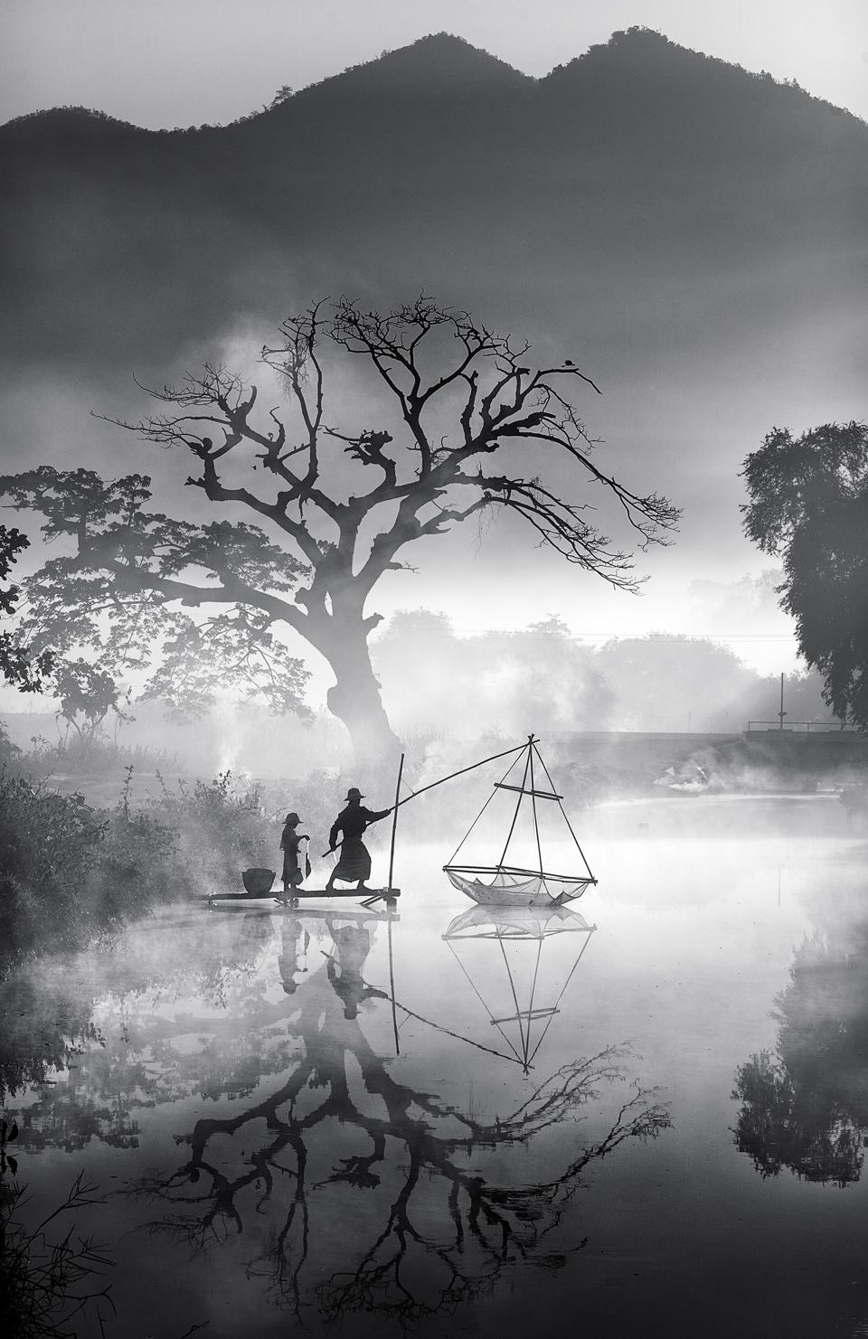 Sony World Photography Awards  winner photo of fisherman in Burma black and white