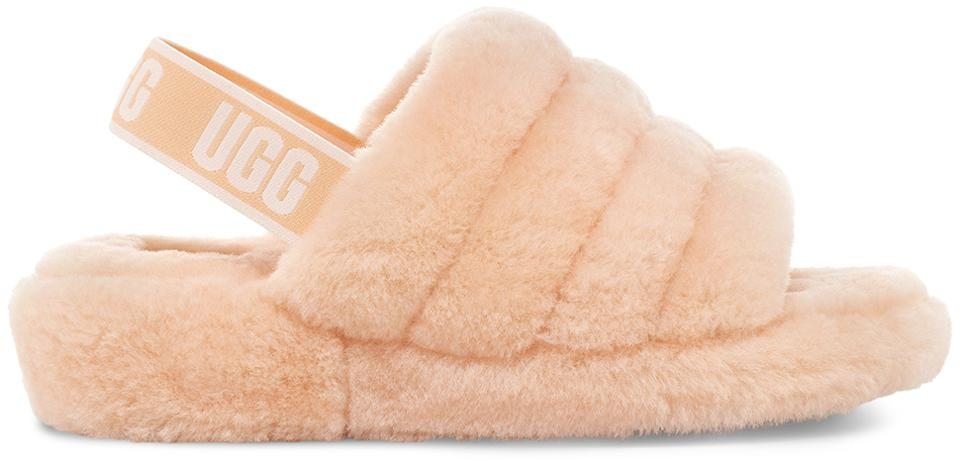 The Ugg Fluff Yeah Slide in Scallop.