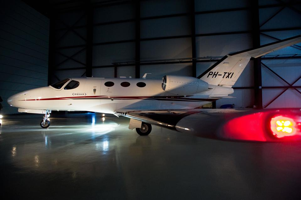 Picture shows a Cessna Citation Mustang