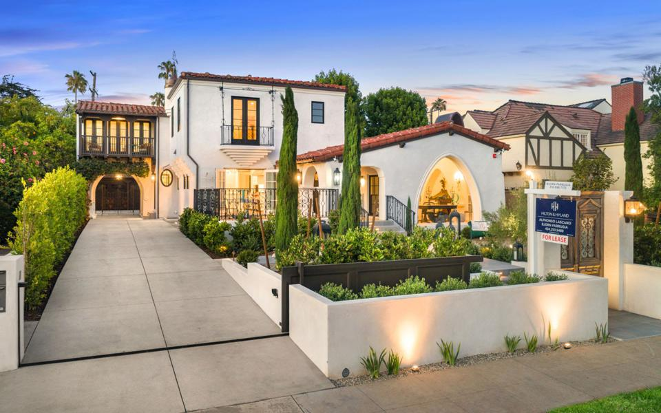 spanish style luxury home in santa monica at 211 17th street