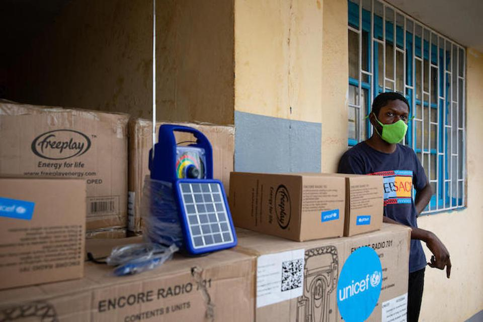 UNICEF provided exercise books and rechargeable portable radios so children in the DRC could continue learning while schools are closed
