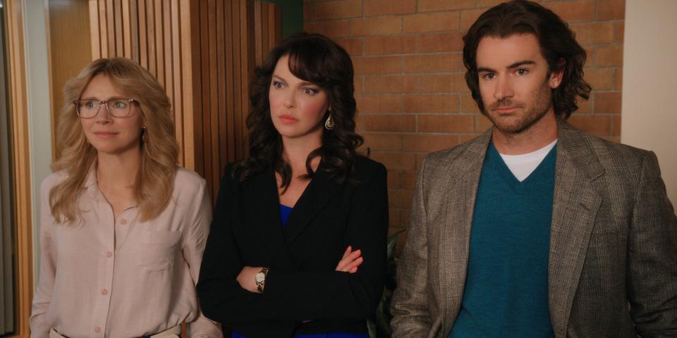 Sarah Chalke, Katherine Heigl and Ben Lawson in 'Firefly Lane' on Netflix.