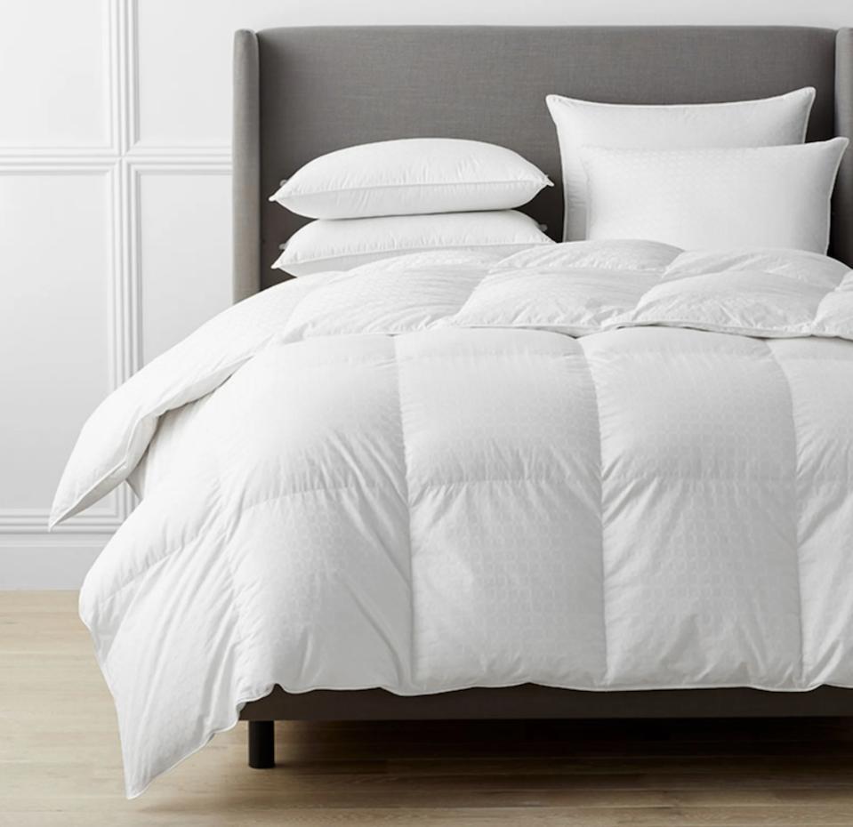Legends Luxury Royal Down Comforter (Queen)