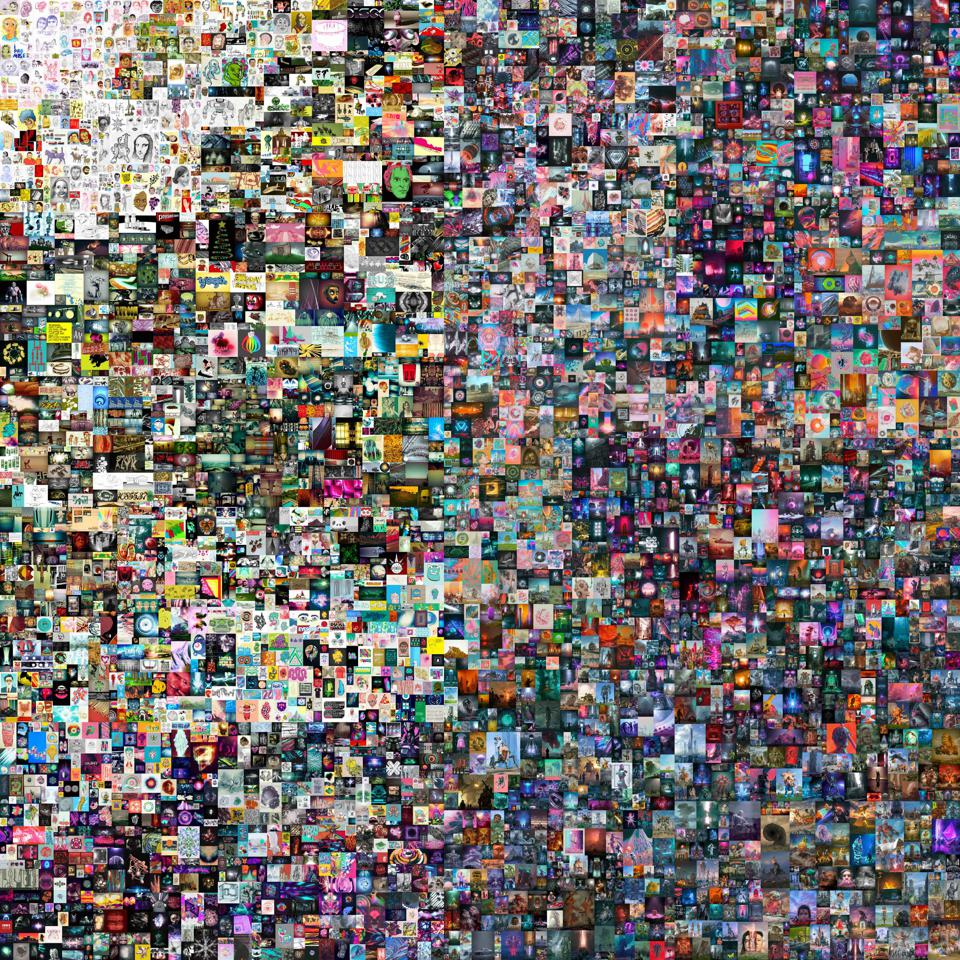 'Everydays' is 316MB file comprised of 21,069 pixels x 21,069 pixels
