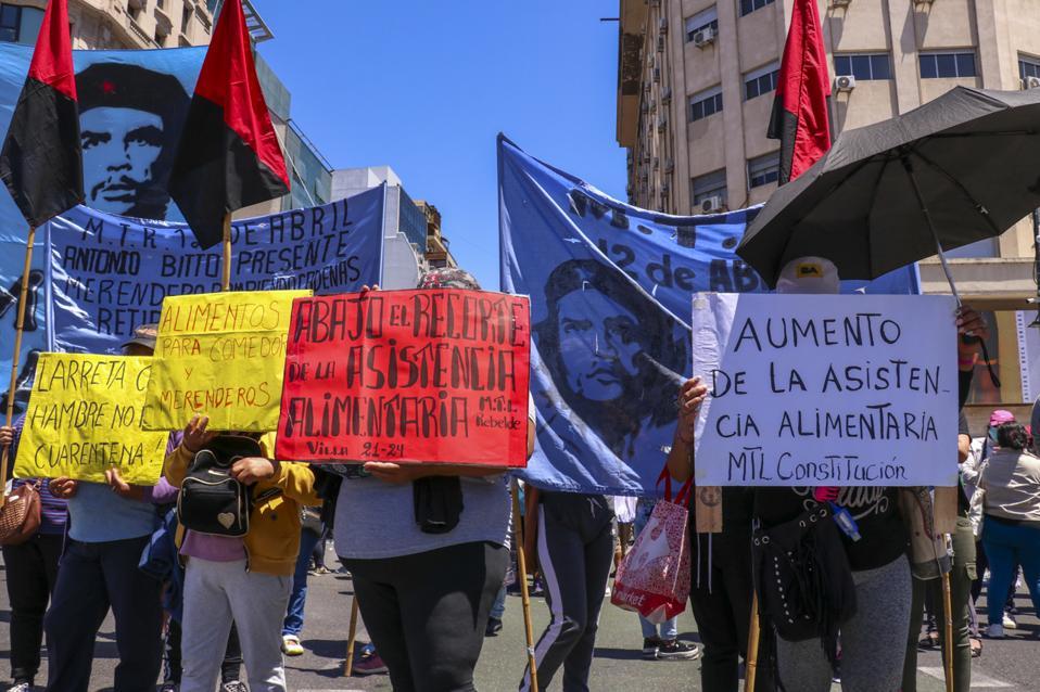 Manifestação contra a fome em Buenos Aires
