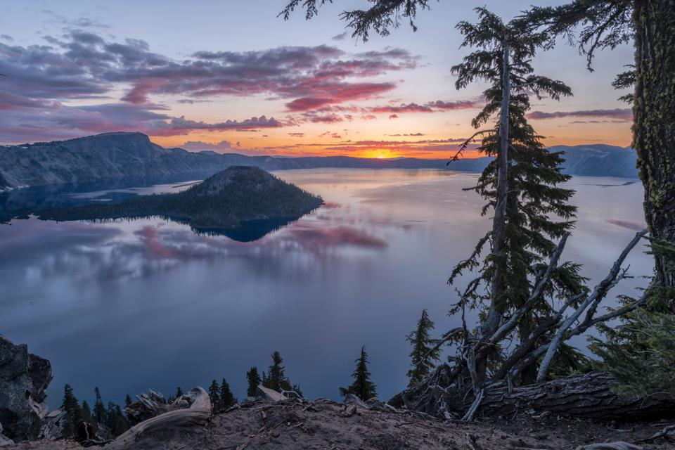 Crater Lake National Pçark in Oregon is seen here at sunset