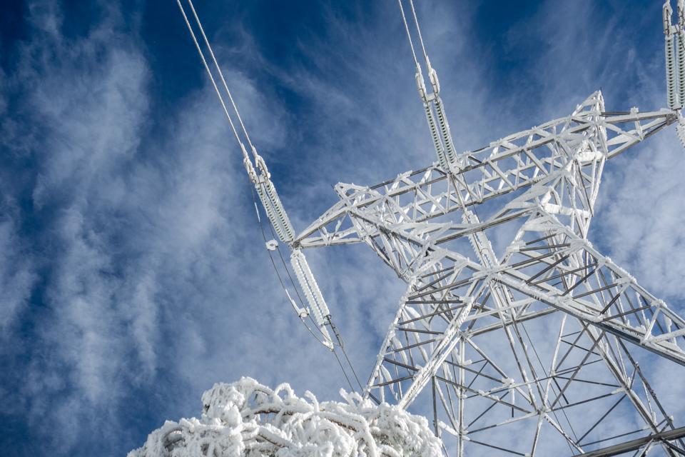 Electric pylon and snow