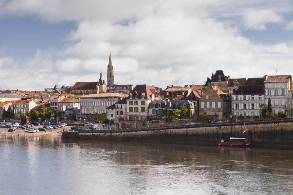 The river Dordogne and city of Bergerac