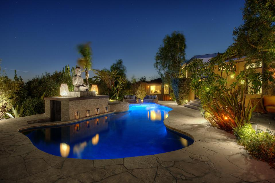 luxury swimming pool in hollywood hills at 6161 mulholland hwy
