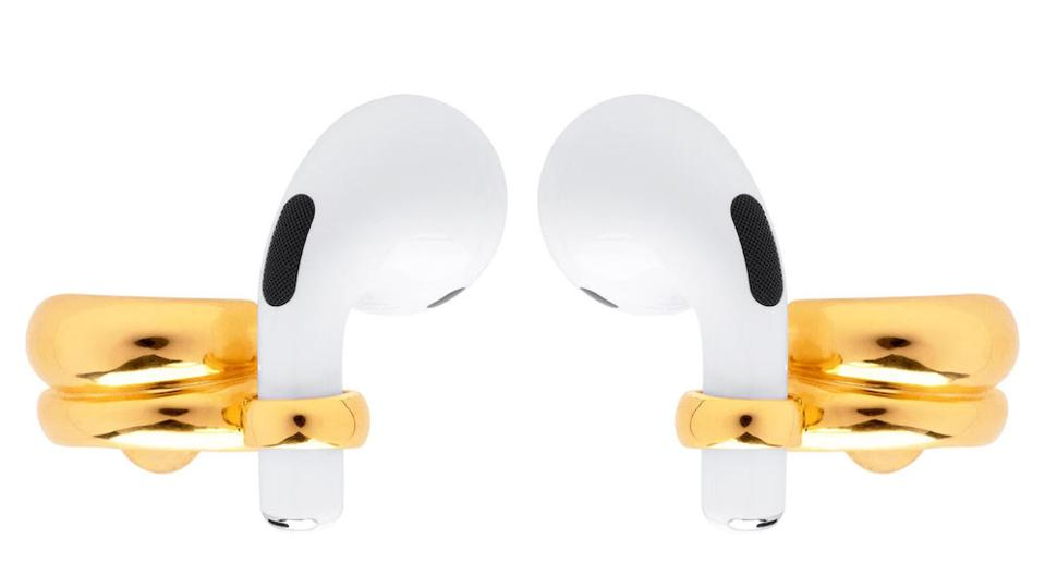 Elegant ergonomy characterizes the Convertible Pro Pods AirPod jewelry, by Misho