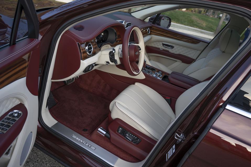 2021 Bentley Bentayga Passenger Cabin